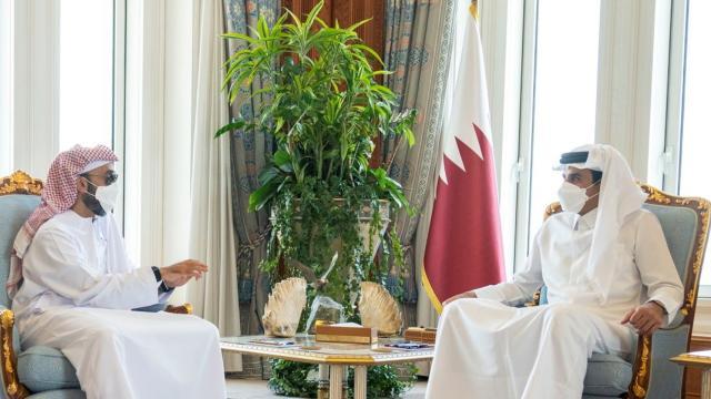 Katar Emiri ile BAE Ulusal Güvenlik Müsteşarından iş birliği görüşmesi