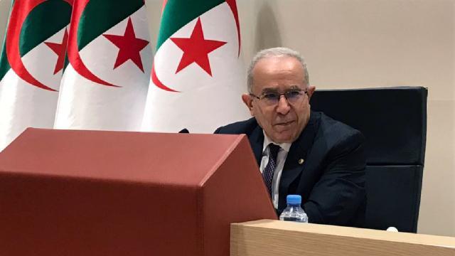 Cezayir Dışişleri Bakanından Fas ile diplomatik ilişkilerin kesilmesi kararı açıklaması