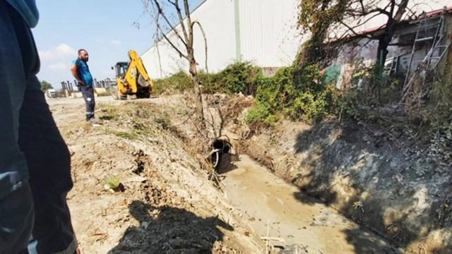 Yağmur suyu kanalına atık boşaltan iş yerleri hakkında işlem başlatıldı