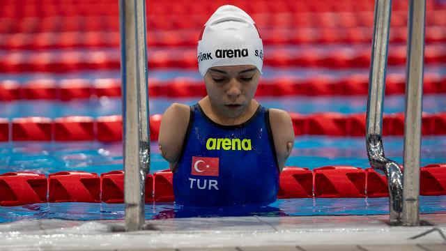 Paralimpik milli yüzücü Sevilay Öztürkün gözü yeni başarılarda