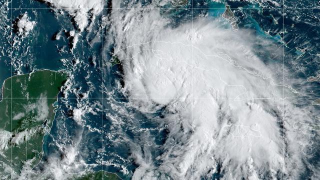 ABDde Ida Kasırgası Louisianaya yaklaşıyor: Acil durum ilan edildi