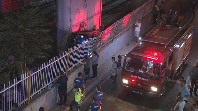 Hafif ticari araç viyadükten tren raylarına düştü: 1 ölü, 5 yaralı