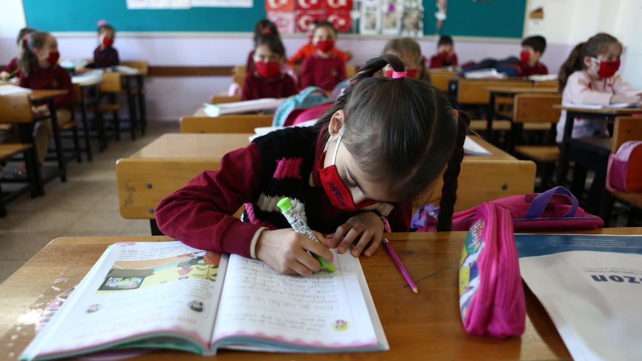 200'e yakın okul ikili eğitime geçti