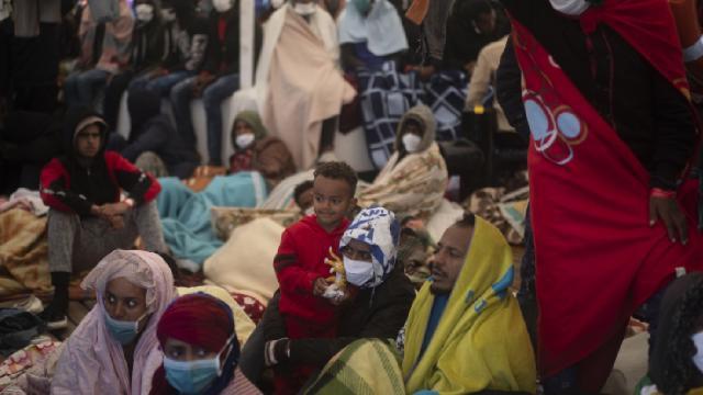 Güney Sudandan ülkede yasal izni olmadan kalanlara bir hafta süre