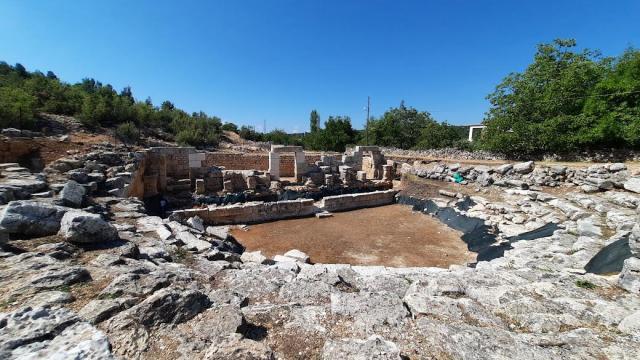 Mersindeki Olba Antik Kentinde arkeolojik kazılar sürüyor