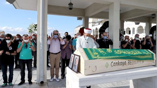 Nusret Çetinelin cenazesi toprağa verildi