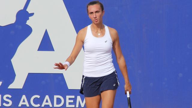 Milli tenisçi İpek Öz İsviçrede finale yükseldi