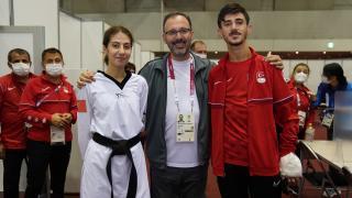 Bakan Kasapoğlu, milli para tekvandocuları tebrik etti