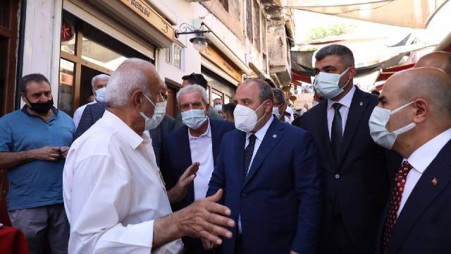 Bakan Varank, Mardinde esnafı ziyaret etti