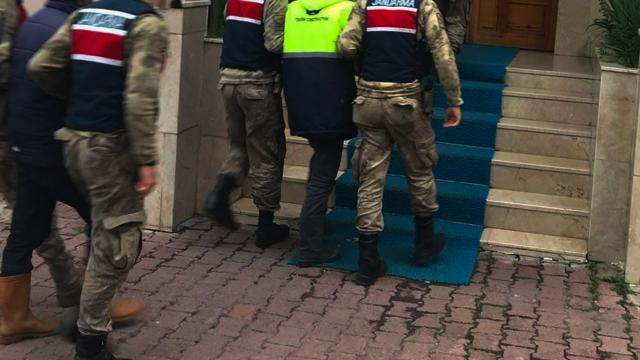 Ardahanda hayvan kaçakçılığı yaptığı iddia edilen 2 zanlı tutuklandı