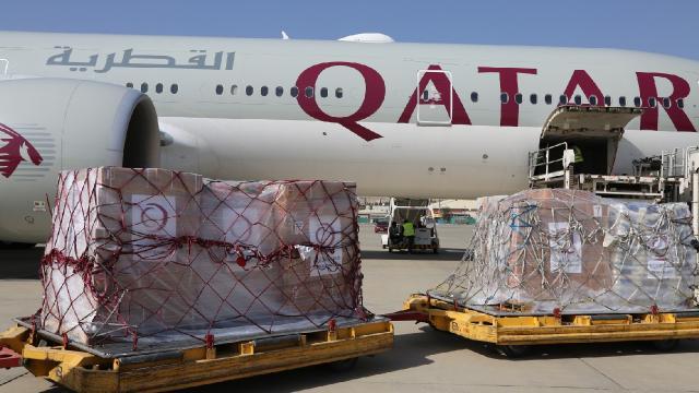 Katardan insani yardım taşıyan 6ncı uçak Kabilde