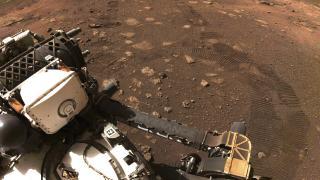 NASA'nın keşif aracı Mars'tan ilk kaya örneğini aldı