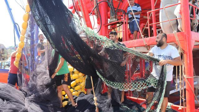 Adanalı balıkçılar yeni av sezonuna umutla hazırlanıyor