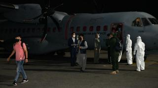 Kazakistan Afganistan'dan 35 kişiyi tahliye etti