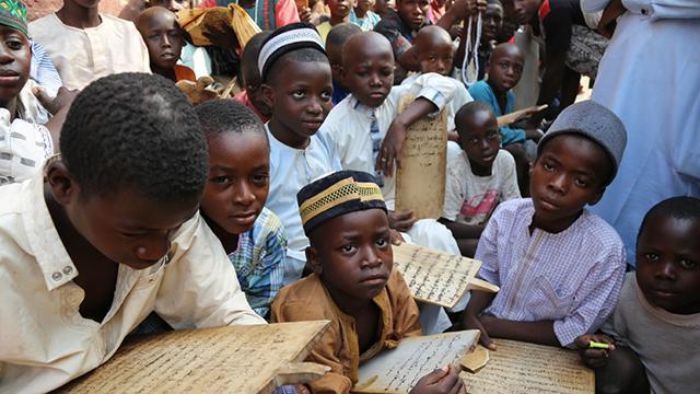 Nijeryada okula düzenlenen silahlı saldırıda onlarca öğrenci kaçırıldı