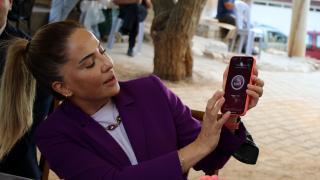 Vali Funda Kocabıyık, Dumanlı köyündeki kadınlara KADES'i anlattı