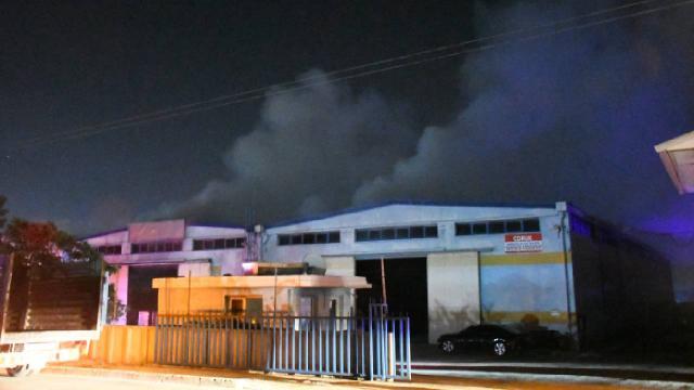 Adanada tekstil fabrikasında yangın