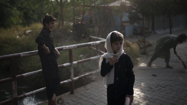 ABden Afganistana 1 milyar euroluk destek paketi