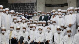Diyanet İşleri Başkanı Erbaş, Diyarbakır'da Hafızlık İcazet Programı'na katıldı