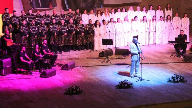 Antakya Medeniyetler Korosu EXPO fuar alanında sahne aldı