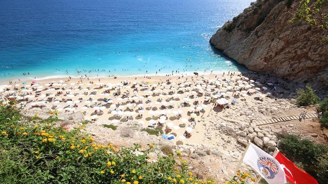 Antalyaya turist akını: 9 ayda 6 milyon kişi geldi