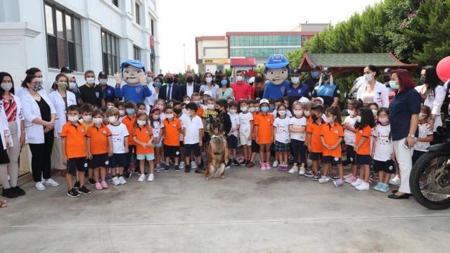 Antalyada polis ekipleri, okullarda bilgilendirme yaptı