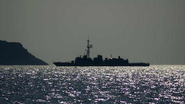Çin donanmasına ait gemilerin, ABD açıklarında seyrettiği iddia edildi