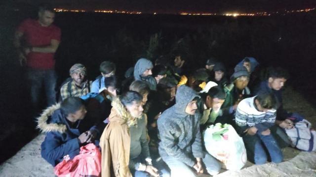 Muradiyede 27 düzensiz göçmen yakalandı