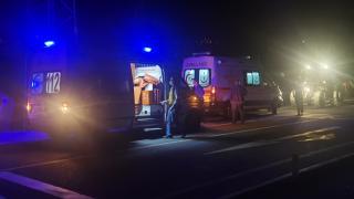 Erzincan'da tır ile tarım aracına çarpan otomobildeki 3 kişi yaralandı