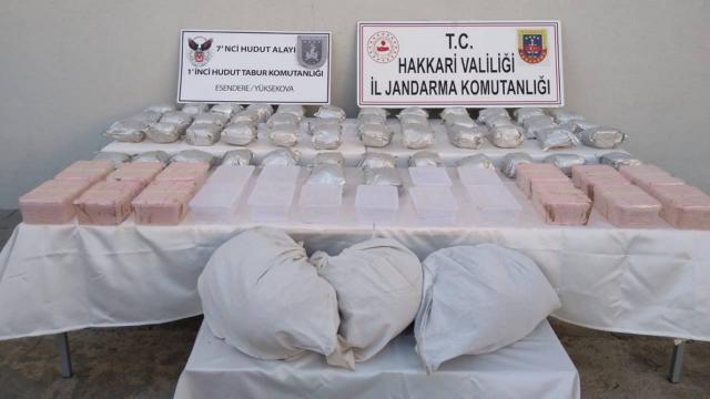 Hakkaride 98 kilo 600 gram uyuşturucu ele geçirildi