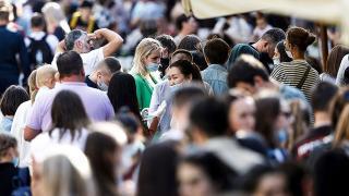 Koronavirüs pandemisi yaşam beklentisini rekor seviyede düşürdü