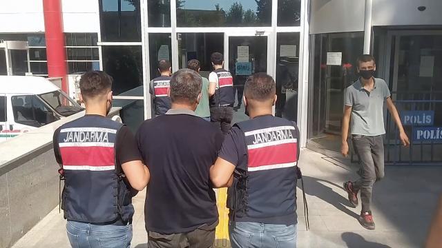 Adıyamanda terör örgütü PKK üyesi olduğu iddia edilen 2 şüpheli yakalandı