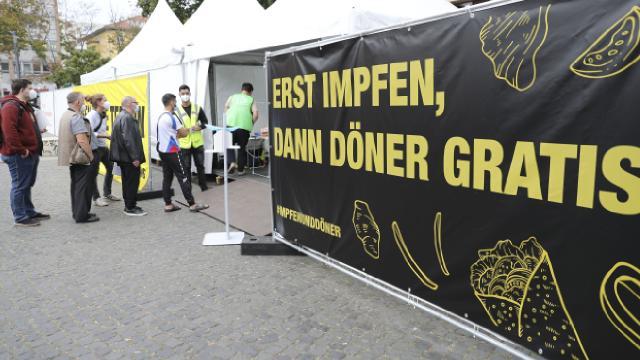 Almanyada aşı olanlara bedava döner
