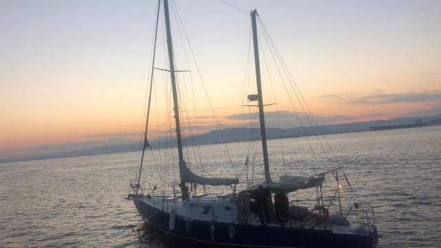 Aydında Türk kara sularına itilen 20 düzensiz göçmen kurtarıldı