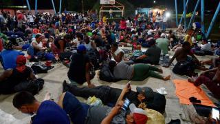 ABD sınırındaki göçmenlerin sayısı 10 bini aştı