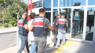 Teröristlere araç ile erzak taşıyan şahıslara operasyon: 2 gözaltı