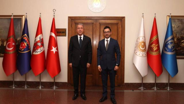 Bakan Akar, AA Genel Müdürü Karagözü kabul etti