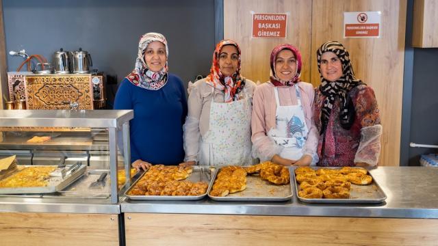 Sivasta kadınların kurduğu kooperatif sayesinde ilçenin pastane ihtiyacı karşılandı