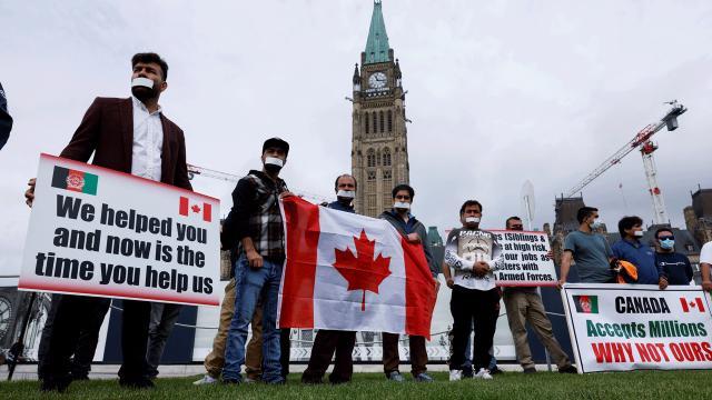Kanadada Afgan tercümanlar, ailelerinin getirilmesi için açlık grevinde