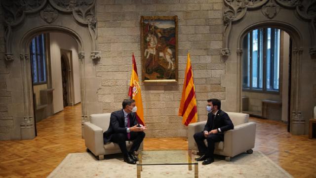Katalonyanın bağımsızlık talebi: İspanyol hükümeti masaya oturdu
