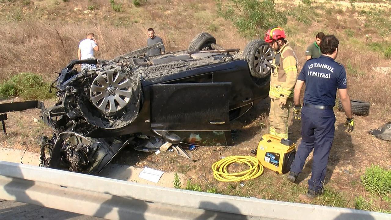 Pendik'te otomobil takla attı: 2 ölü, 2 yaralı
