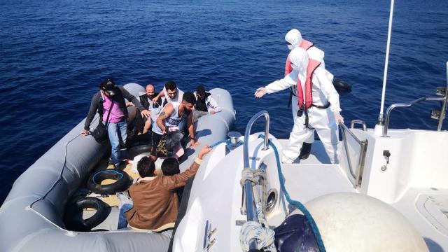 Muğla açıklarında 84 düzensiz göçmen kurtarıldı