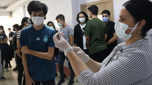Diyarbakırda öğrenciler için aşı seferberliği