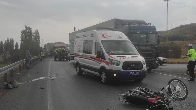 Manisada otomobille çarpışan motosikletin sürücüsü öldü