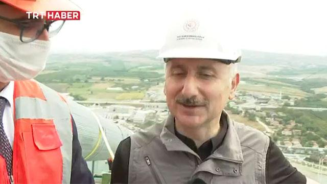 Bakan Karaismailoğlu, 1915 Çanakkale Köprüsünü yürüyerek geçti