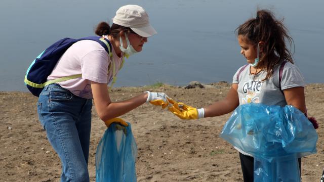 Edirnede Meriç Nehri kenarında çevre temizliği yapıldı
