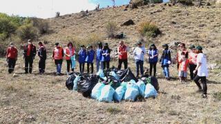 Gümüşhane'de 18 Eylül Dünya temizlik Günü nedeniyle çöp toplama etkinliği düzenledi