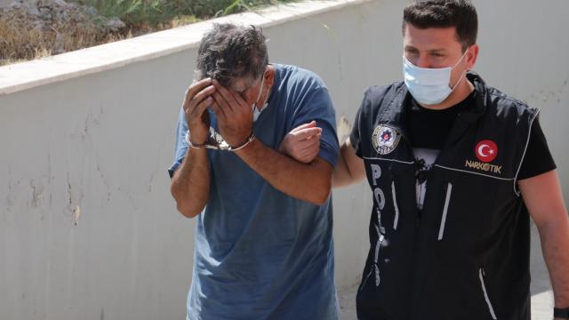 Adana'da uyuşturucu ele geçirilen tırın sürücüsü tutuklandı