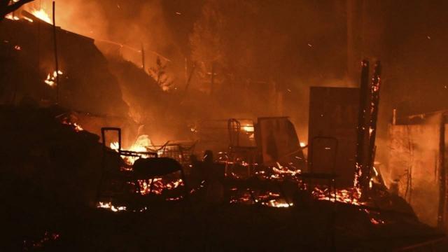 Yunanistandaki sığınmacı kampında yangın