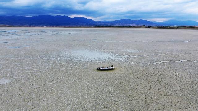 Göller Yöresindeki Karataş Gölü kurudu